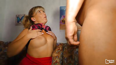 Deutschland Report – Amateur fuck with chubby German mature