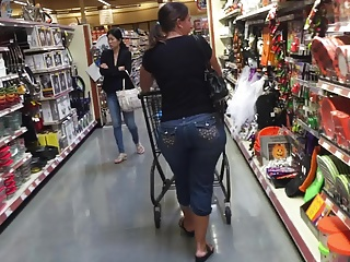 Shopping PAWG 1 of 2