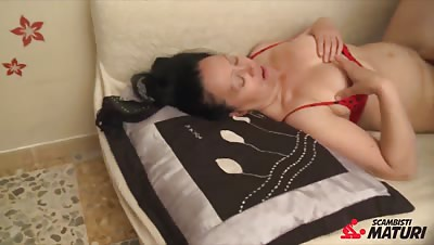 ScambistiMaturi – Mature Italian swinger enjoys hardcore sex
