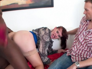 Euro milf cuckolds hubby with bbc