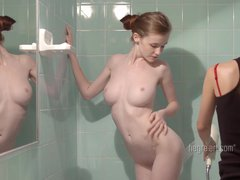 Emily Bloom – Erotic Room Service Massage