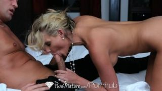 HD PureMature – Hot milf Phoenix Marie fingers her pussy in the bath